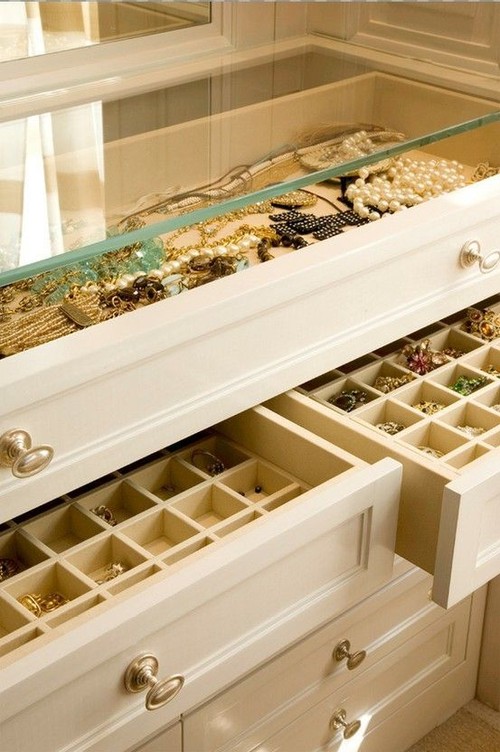 Jewelry organization - grouping your jewelry by color is a great way to easily find the perfect match to your outfit.