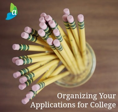 Tips and printables to help your senior keep the applications for college organized.