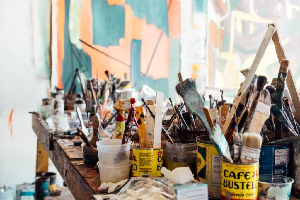 Organizar não é um bicho de sete cabeças, o difícil é conseguir compreender o porquê da desorganização. No artigo de hoje, eu lhe ajudo a melhorar o seu atendimento como personal organizer. Confira.