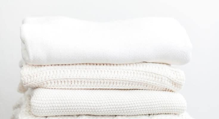 How to Organize The Linen Closet.